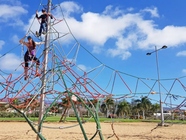 Träningspark, skönt väder och konsten att passa på